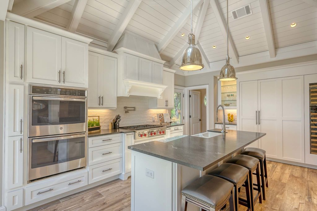 Lowcountry Chic: Oceanfront Luxury Home Seen on Video